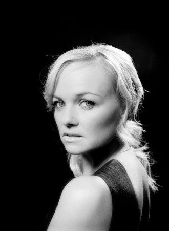 Emma Bunton (14 UHQ photos)